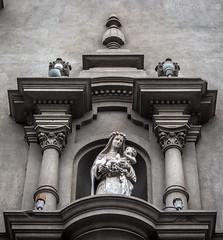 Symmetry (Martn Crdova Japay) Tags: santa white church architecture back lima iglesia per santo miraflores