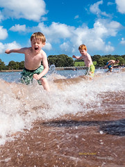 Summer Days (Bambi_72) Tags: sea beach wave breakingwave