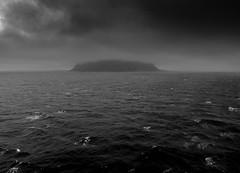 Norwegian Coast (ngbrx) Tags: ocean norway coast norge waves skandinavien norwegen atlantic scandinavia lesund kste wellen atlantik seebw
