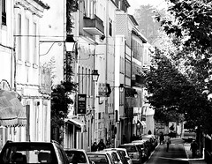 Sintra (mgkm photography) Tags: street urban bw blancoynegro portugal monochrome sintra streetphotography structures gimp rua pretoebranco janelas blackandwhitephotography streetshot urbanphotography fotografiaurbana blackwhitephotos nikonphotography opensourcephotography ilustrarportugal europeanphotography