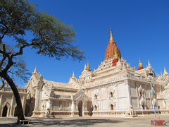 "Old Bagan: le temple Ananda Patho <a style=""margin-left:10px; font-size:0.8em;"" href=""http://www.flickr.com/photos/127723101@N04/22983043960/"" target=""_blank"">@flickr</a>"