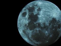 #Luna #Nikon #Reflex #Navidad #Llena #24 #FaltaPoco #Argentina #BuenosAires #Polvorines (GabrielUruena) Tags: argentina navidad reflex buenosaires nikon luna 24 llena polvorines faltapoco