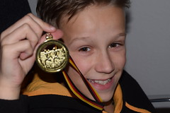 Medaillengewinner beim Mini Marathon (chrissie.007) Tags: marathon winner backnang gewinner minimarathon medaille silvesterlauf medaillengewinner backnangersilvesterlauf