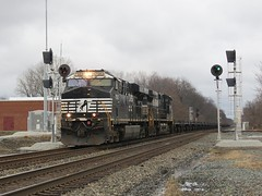 NS Chicago Line / MP 462 Westbound (codeeightythree) Tags: ns signals norfolksouthern norfolksouthernrailroad bo9 coilcars steelcoiltrain mp462 norfolksouthernchicagoline
