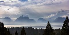 cloudlift over jackson lake (Christian Collins) Tags: mount mountain moran jackson lake wyoming signalmountain jacksonlake montaa larga lago canon efs24mm