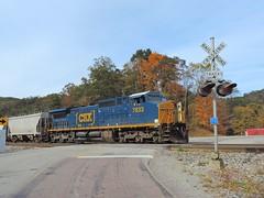 CSX 7833 (Trains & Trails) Tags: railroad crossing signals fairhope pennsylvania somersetcounty fall october csx train ge widecab yn3b engine darkfuture generalelectric 7833 c408w q37511 locomotive diesel transportation autumn