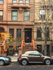 Thanksgiving Townhouse & Volkswagen Upper Westside (dannydalypix) Tags: newyorkinfall autumninnewyorkcity manhattan nyc upperwestside thanksgiving