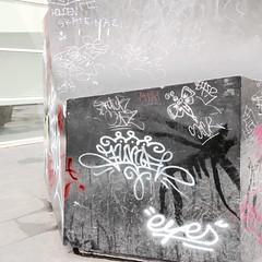 Intervencions amb aigua de Robert Janz al voltant del Museu (MACBA) Tags: street art carrer robert janz aigua efimer barcelona intervenció