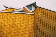 Berlin Philharmonia I (Tom Levold (www.levold.de/photosphere)) Tags: berlin fuji fujixpro2 xpro2 xf18135mm philharmonie philharmonia architektur architecture
