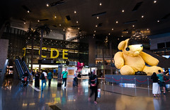 Aeroporto Internacional de Doha  (Hamad International Airport) (deborasasaki) Tags: hamad international airport aeroporto internacional doha qatar
