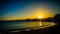 Puesta en Puerto Bans (pepoexpress - A few million thanks!) Tags: nikon nikkor nikond600 nikond60024120mmf4 d610 d61024120mmf4 nikond610 pepoexpress puertobans sea mar marbella sunrise sun puestadesol goldenhour horamgica horadorada horaazul reflejos reflections water sky skyline photopills