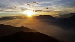 What a wonderful sunset (criss1986bellagio) Tags: sunset tramonto sole luce light colore paesaggio landscape mountain montagna italia lagodicomo lago nuvole clouds