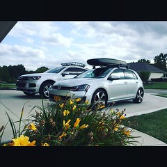 Bros. @nickvorderman (vordermanmotorwerks) Tags: auto car truck autorepair service van suv fortwayne carrepair vorderman