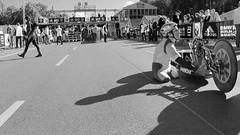 AZ10 - the Finish (Zeigen_was) Tags: street berlin alex marathon f1 disabled bmw formula1 mitte reportage italiano paralympics alessandro zanardi berlino formel1 rennfahrer 2015 racedriver handbike handcycle berlinmarathon behindertensport liegefahrrad liegebike