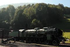SNCF Dampflokomotive 241 P - 30 (  Socit nationale des chemins de fer franais - Hersteller Schneider & Cie - Baujahr 1947 ) am Bahnhof St. Sulpice NE im Kanton Neuenburg - Neuchtel der Schweiz (chrchr_75) Tags: chriguhurnibluemailch christoph hurni chrigu chriguhurni chrchr chrchr75 albumzzz201509september september 2015 albumbahnenderschweiz2015712 eisenbahn bahn schweizer bahnen dampflokomotive dampfmaschine dampflok locomotora vapor  vapeur steam vapore  stoomlocomotief albumdampflokomotiveninderschweiz train treno zug albumbahnenderschweiz juna zoug trainen tog tren  lokomotive lok lokomotiv locomotief locomotiva locomotive railway rautatie chemin de fer ferrovia  spoorweg  centralstation ferroviaria sncf socit nationale des chemins franais