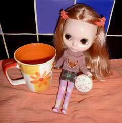 Daphne Maple: Well, I stopped looking! (2/30--Look for Circles Day) (Bebopgirl1969) Tags: cookie biscuit mug blythe vinterarden