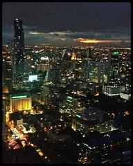 (Danburg Murmur) Tags: sunset skyline clouds thailand bangkok horizon krungthepmahanakhon banyantreehotel   prathetthai kingdomofthailand evergreenlaurelhotel vertigomoonbar