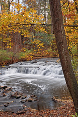 No Fisherman....Some Color (+David+) Tags: waterfall fallcolors corbettsglenn postcardfalls nofisherman