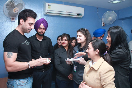 Gavie Chahal giving autograph to LinguaSoft students and staff at Chandigarh