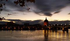 Toulouse (31) (FloLfp) Tags: city bridge de soleil pentax hiver coucher toulouse nuit garonne lumières oiseaux