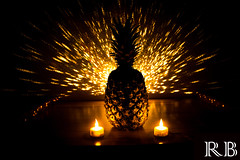Die Ananas (Rudi Brgger) Tags: ananas anderestichwrter pineapple fruit frucht gelb schwarz licht light black yellow art kunst painting kerze candle creativity kreativ