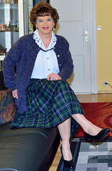 Birgit023092 (Birgit Bach) Tags: pleatedskirt faltenrock blouse bluse cardigan strickjacke