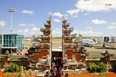 Balinese archways (A. Wee) Tags: denpasar bali  indonesia  airport  dps archway decor gateway