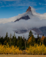 Morning Pilot wrapped in Weather (Kent Copeland) Tags: weather mountain pilotpeak yellowstonenationalpark wyoming absarokabeartoothmountains fallcolors
