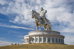 (Voyages Lambert) Tags: mongolianethnicity men emperor empire genghiskhan ulanbator statue sculpture adult coldtemperature awe leadership asia granite steppe khaan
