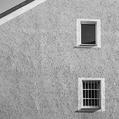 Windows I (schauplatz) Tags: bayerischerwald bayerwald deutschland lamerwinkel urlaub cham windows fenster wall mauer struktur structure haus house architektur architecture