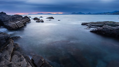 Ventana al mar (Carpetovetn) Tags: amanecer sunrise agua mar marcantbrico marina costa cantbrico largaexposicin longexposure landscape nikond610 nikon1835
