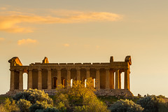 Sunset in the Valley of the Temples (KAM (김수영)) Tags: valley temples italy sicily agrigento 6d canon