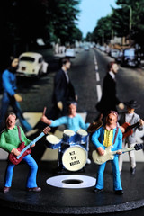 Beatles Tribute Band (ShellyS) Tags: itty music railroadfigures hoscale albums lps macros