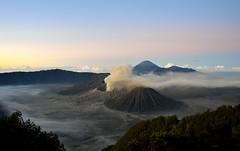 Bromo (gosiajanecka) Tags: bromo indonesia sun sunrise volcano nature landscape mountain sky