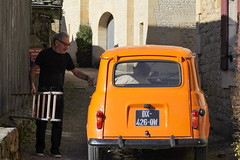 Two friends (thierry_meunier) Tags: 4l france amiti car dordogne homme man orange perigord prigord renault rue street voiture
