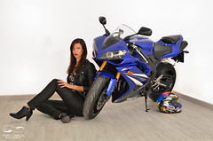Woman Superbike (ppgarcia72) Tags: nikon sigma nikond7000 sigma1750 modelo model yamaha casco r1 fashion beautiful love portrait retrato chaqueta shooting shooter mallorca estudio motorcycle moto