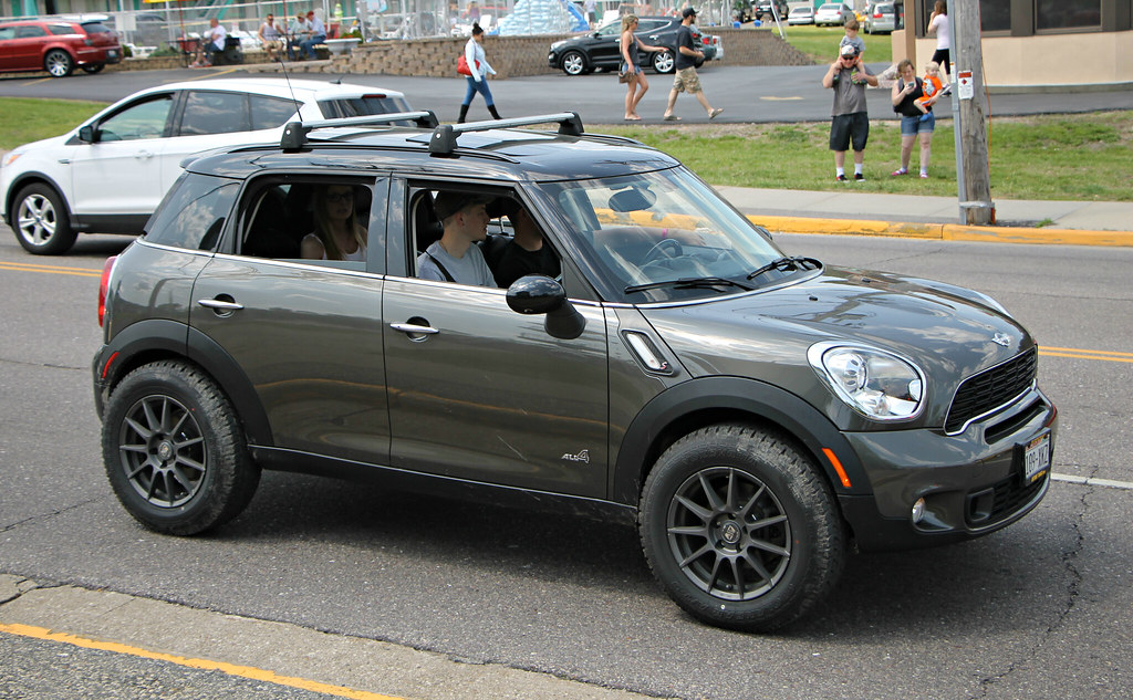 The World's Best Photos of car and lifted - Flickr Hive Mind