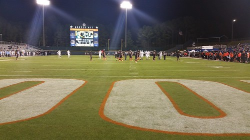 """Hoover vs Spain Park 10/1/15 • <a style=""""font-size:0.8em;"""" href=""""http://www.flickr.com/photos/134567481@N04/21254824034/"""" target=""""_blank"""">View on Flickr</a>"""