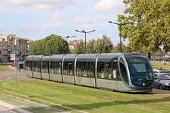 2015-09-17, Bordeaux, Quai Louis XVIII (Fototak) Tags: france bordeaux tram alstom aps strassenbahn tbc citadis ligneb 2213
