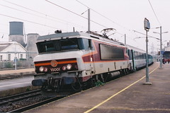 20041201 006 pernay. 15001 'GRETZ ARMAINVILLIERS' Train 1702 Nancy-Paris Est (15038) Tags: france electric trains locomotive railways sncf pernay 15001 bb15000 gretzarmainvilliers