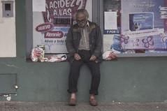 siesta (Mortimer Zbikowski) Tags: world portrait de tristeza calle nap sad retrato homeless siesta sick pobreza situacion pordiosero