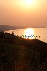 DSC_7336 copia (Michele d'Ancona) Tags: sunset sea italy costa sun italia tramonto mare ombra sole luce marche golfo ancona crepuscolo baia striscia costaadriatica costamarchigiana ankon costaanconetana costaancunetana