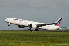 B777 Air France F-GZNI (Mav'31) Tags: paris france airplane airport aircraft air airlines charlesdegaulle spotting roissy aéroport b777 lfpg fgzni mav31 jéromevinçonneau