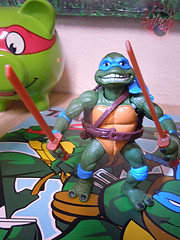 "Nickelodeon ""HISTORY OF TEENAGE MUTANT NINJA TURTLES"" FEATURING LEONARDO -  'MOVIE STAR' LEO vi / ..with Original MOVIE STAR Leo '92 belt on (( 2015 )) (tOkKa) Tags: 2005 toys comic 1988 2006 1993 1992 leonardo figures toysrus 2012 2007 teenagemutantninjaturtles tmnt nickelodeon 2014 2015 displaystand playmatestoys ninjaturtlesthenextmutation toysrusexclusive tmntfastforward toontmnt tmntmovie4 turtlemilkstudios eastmanandlairdsteenagemutantninjaturtles moviestartmnt varnerstudios toonleo paramountteenagemutantninjaturtles 4kidstmnt paramountsteenagemutantninjaturtles tmnt2003 historyofteenagemutantninjaturtlesfeaturingleonardo davearshawsky tmnt2014movie"