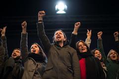 "Podemos celebrate ""the crack"" of the bipartisanism in Spain / Podemos celebra haber roto el bipartidismo en Espaa (Adolfo Lujan) Tags: madrid espaa spain elections wecan elecciones taniagonzalez podemos generalelections yeswecan sisepuede pabloiglesias politicalparties bipartidismo partidospolticos gobiernodeespaa eleccionesgenerales governmentofspain irenemontero taniasanchez carolinabescansa iigoerrejn eleccionesespaolas spanishgeneralelections"