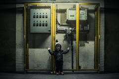 DSC_6278 (Photo-LB) Tags: portrait lumire light studio street parking usine machine contraste couleurs nikon d800 nikon58afs jaune factory carpark texture