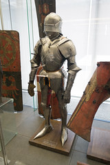 Complete suit of armour with pointy shoes (quinet) Tags: 2014 allemagne deutschland germannationalmuseum germanischesnationalmuseum germany nuremburg nürnberg rüstung armor armour armure