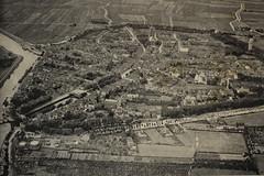 1937 Zierikzee (Steenvoorde Leen - 2.3 ml views) Tags: 1937 zeeland zierikzee architectura weekblad architectuur schetsexcursie stlievens monster toren plattegrond map luchtopname klm