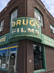 People's Drug Store- Superior, WI (MichaelSteeber) Tags: buildings drugs films neon outdoors outside peoplesdrugstore prescriptionspecialists superior