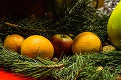 advent calendar #6 (JayPiDee) Tags: advent apfel nus orange stilleben tamron tamronspaf2875mmf28xrdi tamron287528 tannenzweig zitrone apple firbranch lemon nut stilllife lübeck schleswigholstein deutschland
